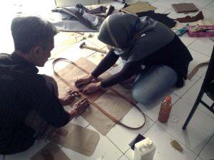 belajar membuat tas kanvas kombinasi kulit